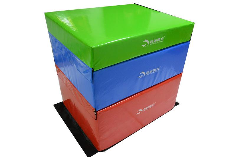 Trapeze soft foam vaulting boxes