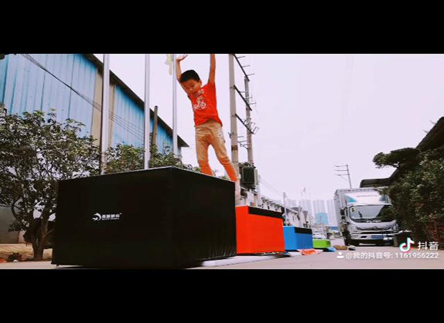 Continous moutaining!!!Young man! On XINPAI soft vaulting boxes set!!